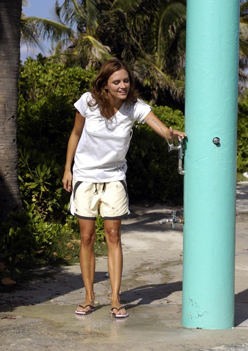 Women-Beachwear1